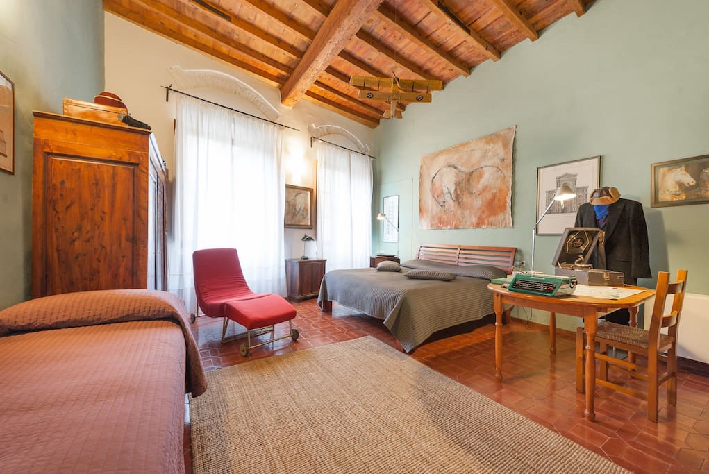 A beautiful vintage AirBnb home experience in Florence Italy